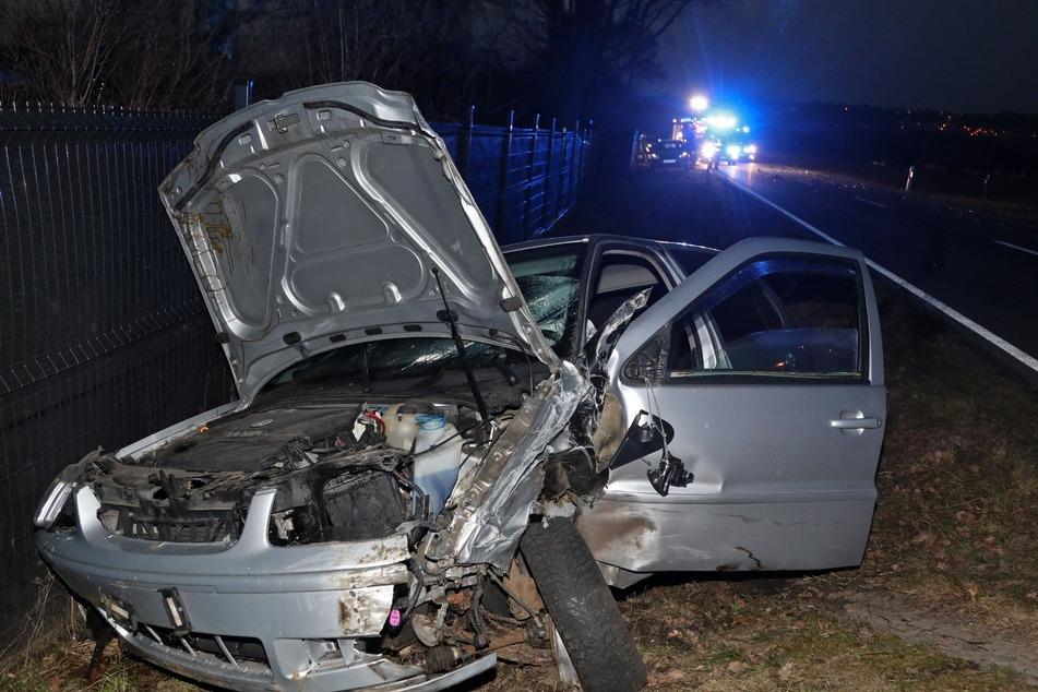 Totalschaden! Das Fahrzeug der VW-Fahrerin war reif für die Schrottpresse.