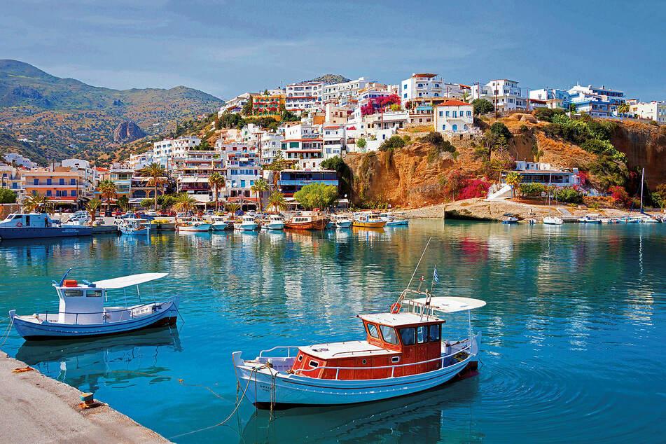 Erlebt kretische Gastfreundschaft und einen unvergesslichen Traumurlaub: Idylle am Hafen von Agia Galini.