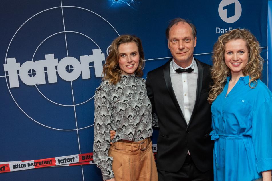 Zurück im Dienst: Dresdens Tatort-Stars Karin Hanczewski (38, l.), Martin Brambach (52) und Cornelia Gröschel (32).