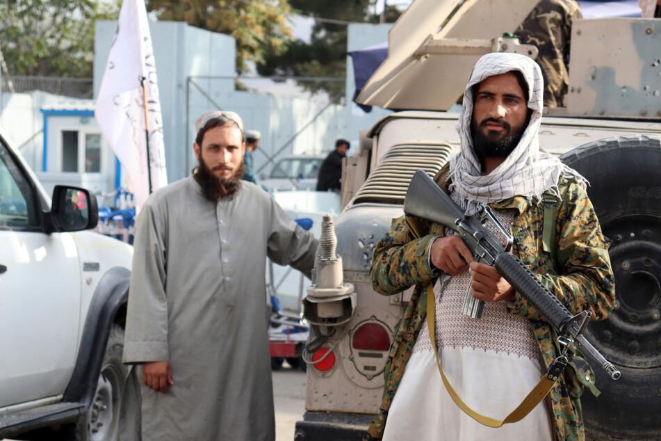 Taliban misshandeln Journalisten mit Kabeln und Peitschen