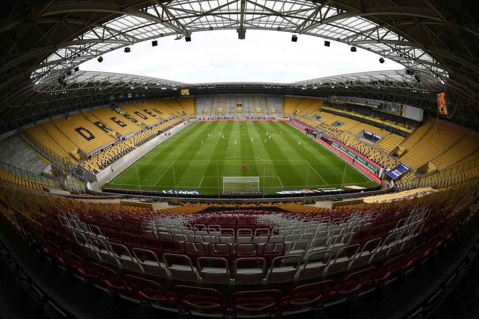 Wer unter den Anhängern von Dynamo Dresden aktuell auf Dauerkarten für die kommende Saison hofft, wird enttäuscht.