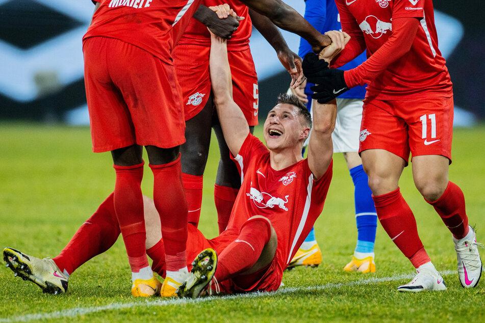 Zeit zum Jubeln: Willi Orban (28) wird RB Leipzig noch eine ganze Weile erhalten bleiben.