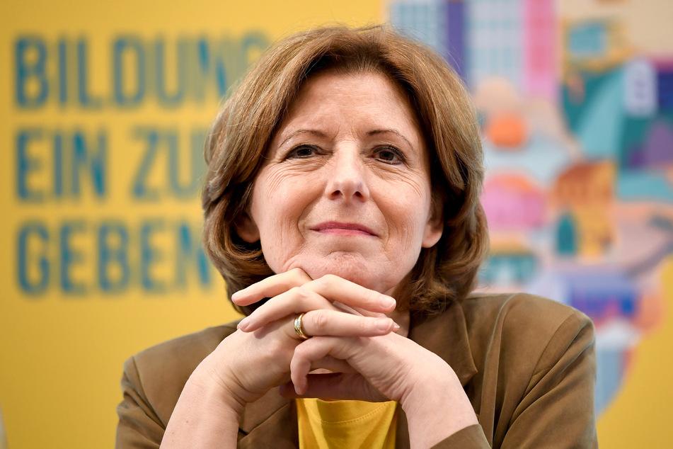 """Malu Dreyer (SPD, 59) Ministerpräsidentin von Rheinland-Pfalz, hält wegen der Corona-Pandemie """"große Zurückhaltung"""" im Umgang miteinander für geboten."""