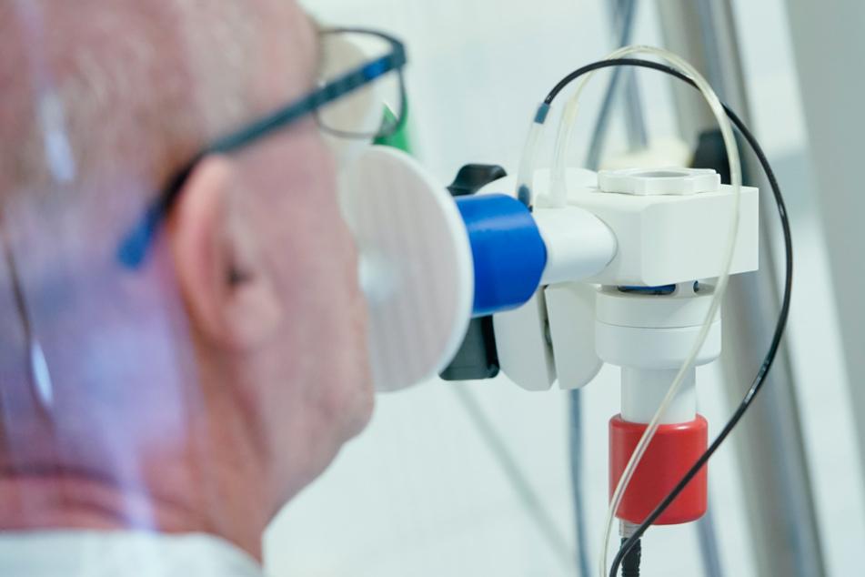 Bayern-Ticker (Archiv): Über 15.000 Ärzte geimpft, Homeoffice-Pakt gefordert, Mutation erreicht Bayern