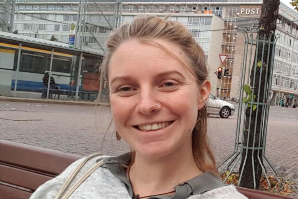Yolanda Klug wird seit exakt zwei Jahren vermisst. Dieses Foto ist das letzte von ihr und entstand zwei Tage vor ihrem Verschwinden auf dem Leipziger Augustusplatz. (Archivbild)