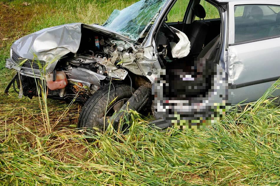 Der Fahrer (91) verstarb noch am Unfallort.