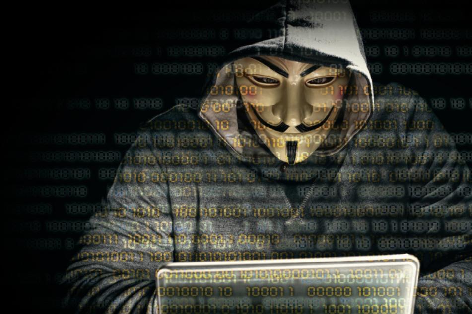 Nach Tod von George Floyd: Hacker-Netzwerk erklärt Polizei den Krieg