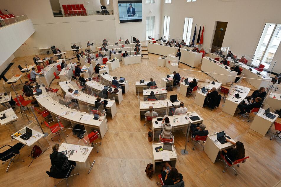 Der SPD-Abgeordnete des Brandenburger Landtags Wolfgang Roick (52) muss in Quarantäne. (Symbolbild)