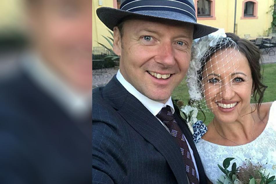 Zum dritten Mal! Radio-Freddy schlüpft schon wieder in ihr Brautkleid