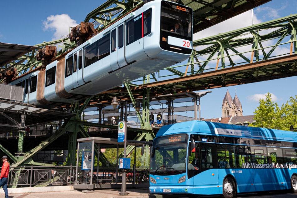 In Wuppertal fahren jetzt 10 Wasserstoff-Busse im Linienverkehr.