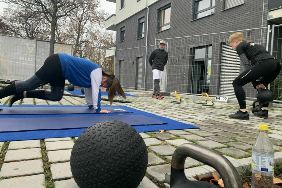 Fitnessstudios nach Corona-Lockdown wieder dicht: Betreiber kommt auf geniale Idee