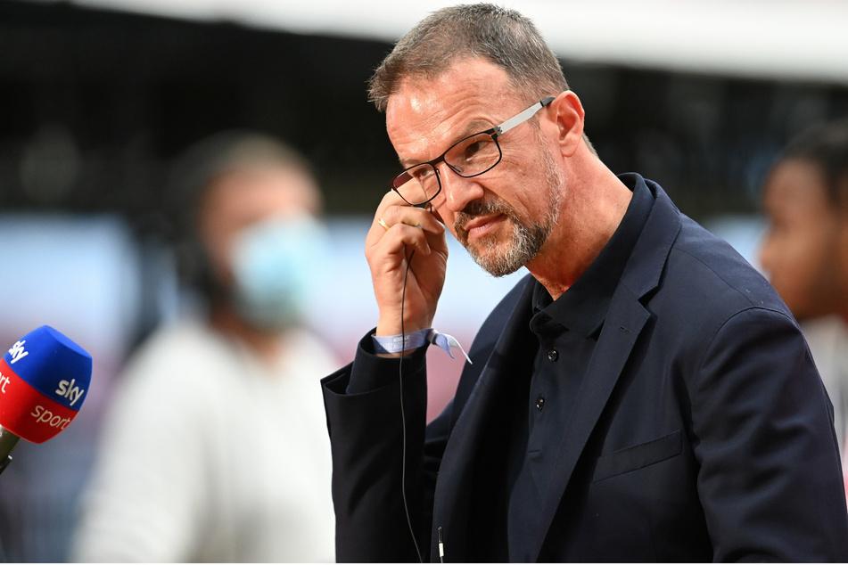 Hertha-Manager Fredi Bobic (49) ist nach dem Komplett-Ausfall der Hertha in Leipzig wütend.