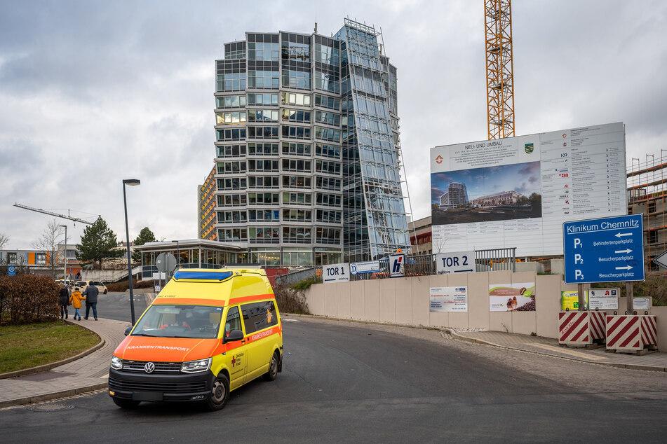 Covid-19-Patienten aus dem Klinikum Chemnitz werden nach Dresden und Leipzig verlegt.