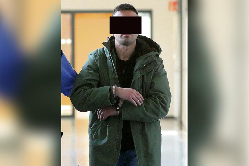 Vom Pizzabäcker zum Serien-Einbrecher: Christian A. (36) kam mit Bewährung davon.