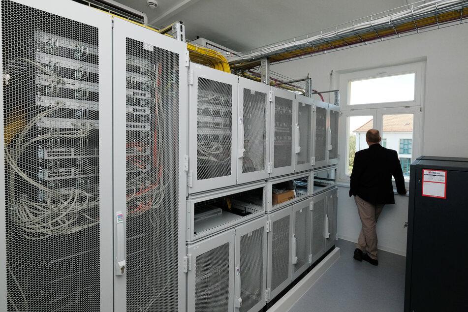 """CDU klagt über Leipzigs Abhörzentrum: """"Kann mir nicht vorstellen, dass das vor 2023 richtig beginnt"""""""
