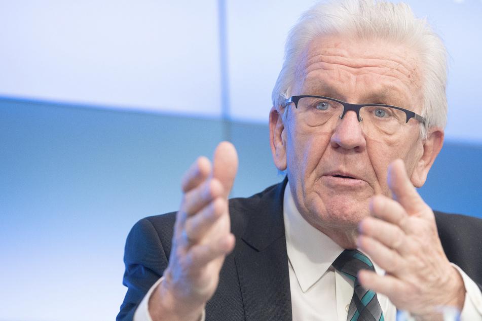 Baden-Württembergs Ministerpräsident Winfried Kretschmann (72, Grüne) bei einer Regierungspressekonferenz.