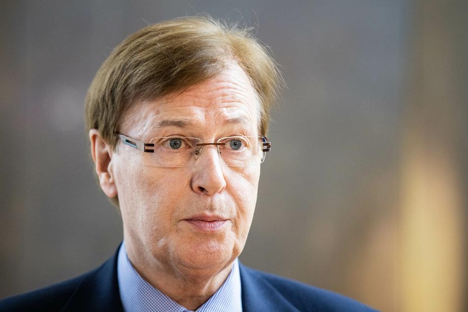 NRW-Justizminister Peter Biesenbach (72, CDU) befindet sich in häuslicher Quarantäne.