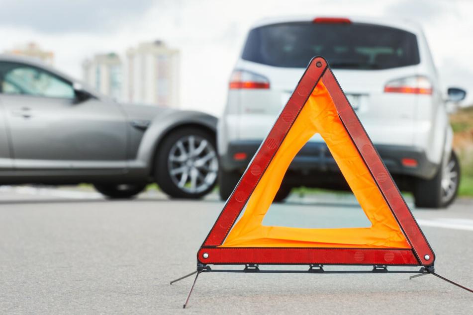 Vorfahrt missachtet: Ein Toter und drei Schwerverletzte bei Unfall
