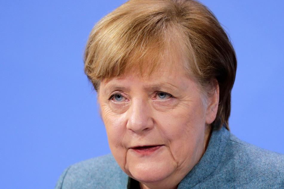 Bundeskanzlerin Angela Merkel (CDU) spricht auf einer Pressekonferenz.