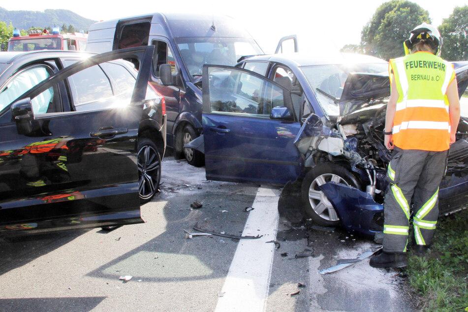 Gleich drei Autos waren an dem Unfall auf der A8 beteiligt.