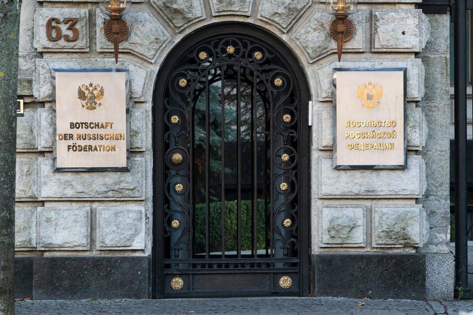 Jens F. wird beschuldigt, geheime Informationen an einen Mitarbeiter der russischen Botschaft in Berlin übermittelt zu haben.