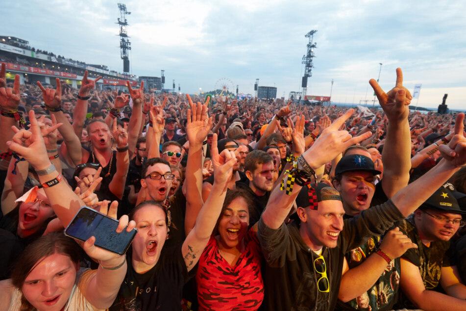 """2019 war bei """"Rock am Ring"""" noch voll Ekstase angesagt. Geht es nach den Mitgliedern der Initiative """"Solutions for Festivals"""" soll es auch 2021 wieder so sein."""