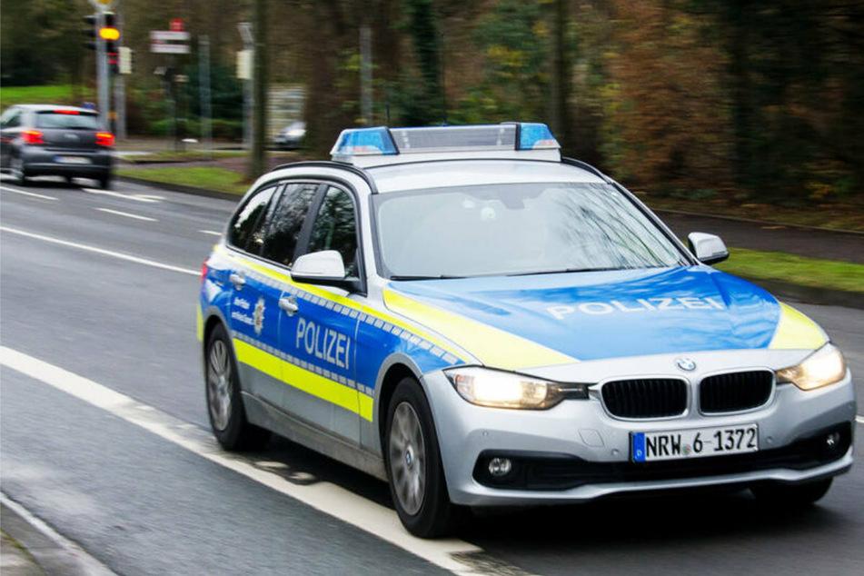 Mit drei Promille! Frau fährt zum Supermarkt und baut Unfall, Polizei sucht dringend Zeugen
