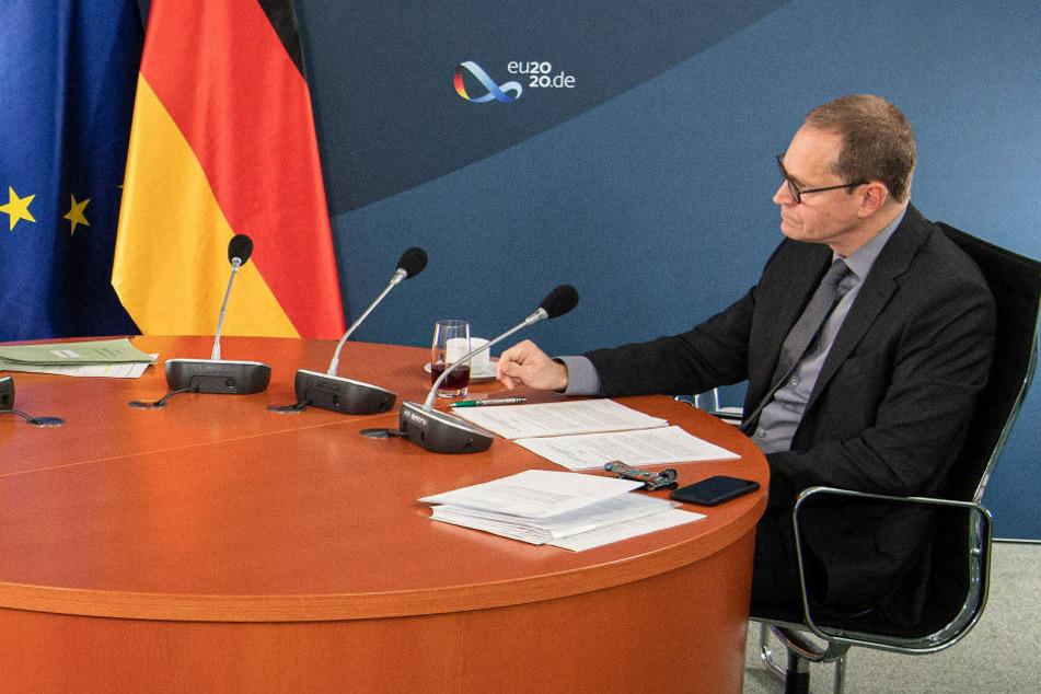 Der bisherige Parteichef und Regierende Bürgermeister von Berlin, Michael Müller (55), trat nicht noch einmal an. Er richtet seinen Blick auf die Bundesebene und kandidiert im kommenden Jahr für den Bundestag.