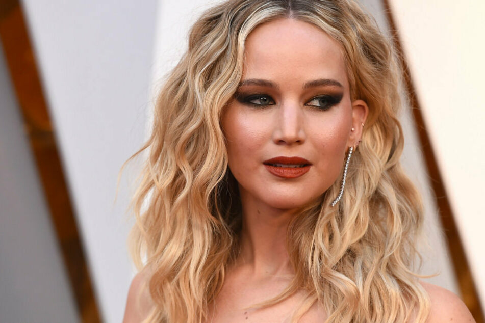 Oscar winner Jennifer Lawrence (30) reveals that she will vote for Joe Biden in the upcoming election.