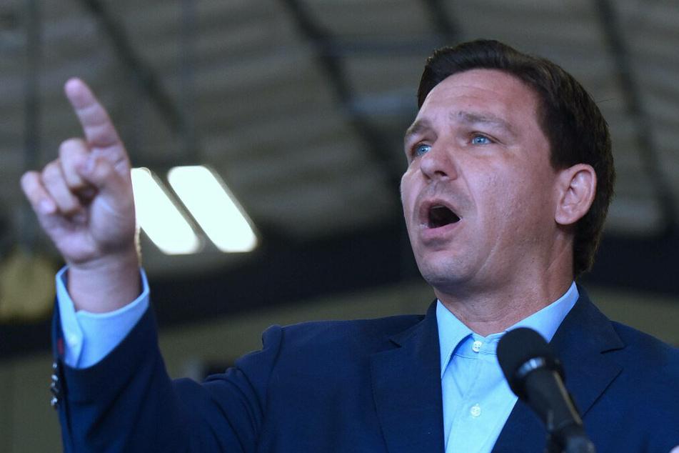 Florida Governor Ron De Santis calls for legislation against vaccine passports