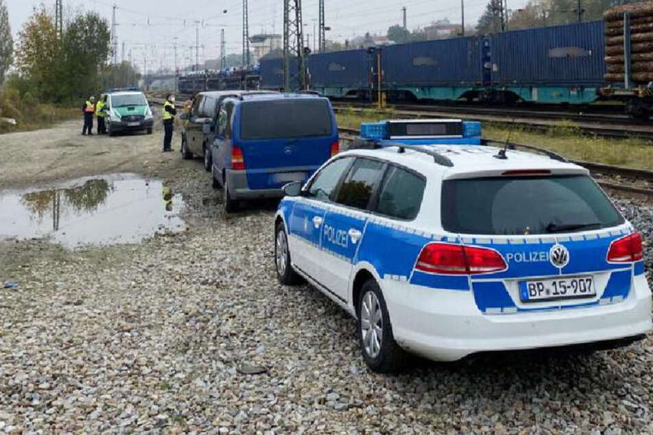 Flehende Rufe aus Todesangst: Polizei rettet acht Menschen aus Container