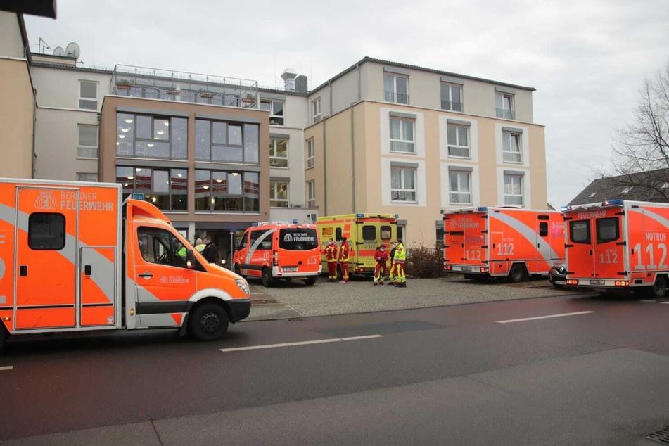 In einem Berliner Pflegeheim gibt es mehrere Corona-Fälle.