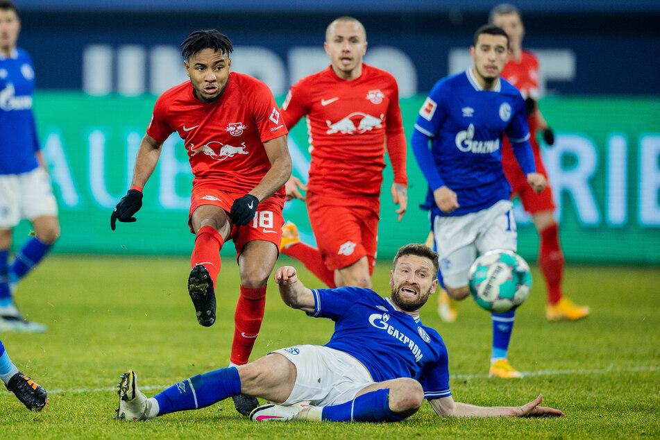 Shkodran Mustafi (28, r.) kam beim 0:3 gegen RB Leipzig zu seinem Bundesliga-Debüt.