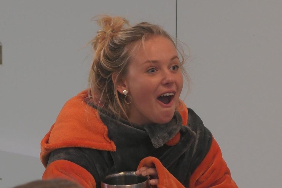 Rebecca (21) ist erstaunt über den Sex-Talk.