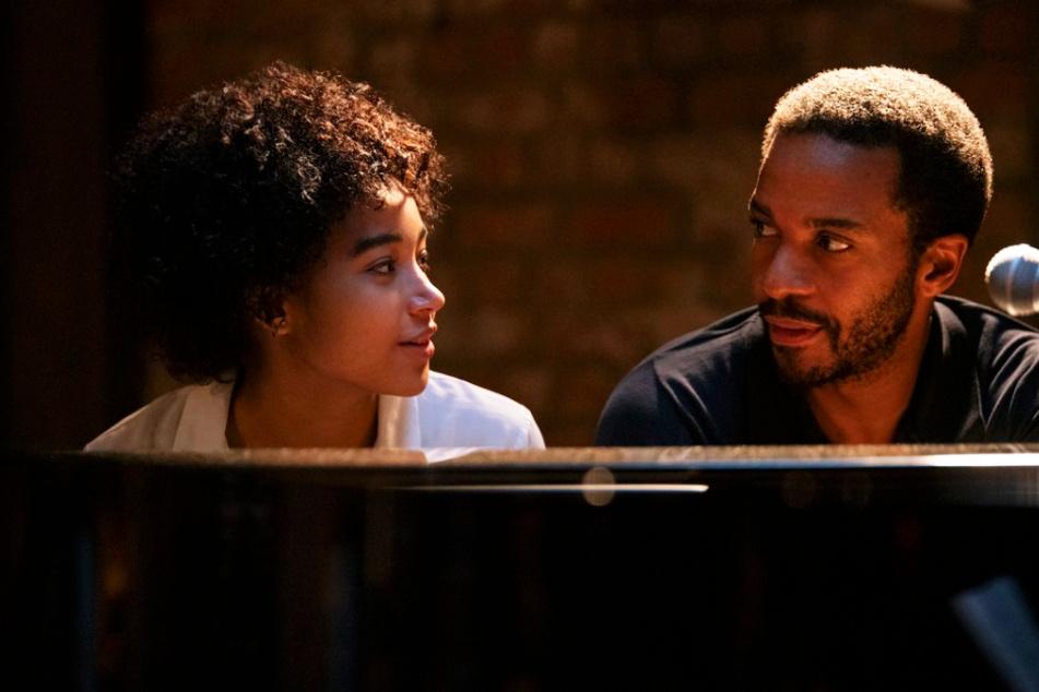 Elliot Udo (André Holland) und seine Tochter Julie (Amandla Stenberg) haben eine ganz besondere Beziehung zueinander, die von einigen Problemen geprägt ist.