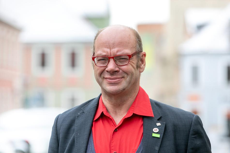 Geschäftsführer Walter Stuber (59) erwartet die neue Maschine Ende Juni in Roßwein.