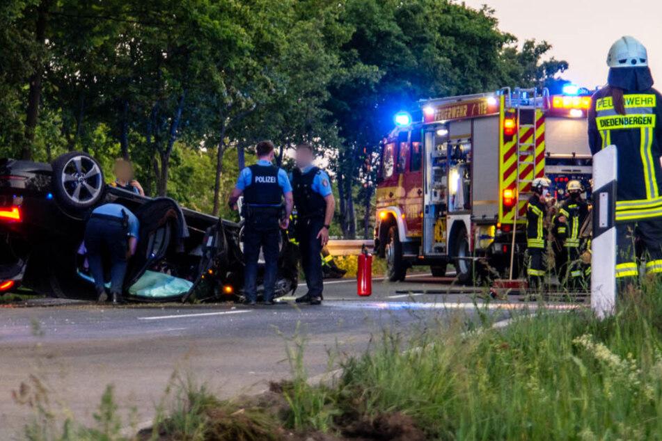 Schwerer Unfall bei Rüsselsheim: Mann (26) rast über A3, dann überschlägt sich sein Auto