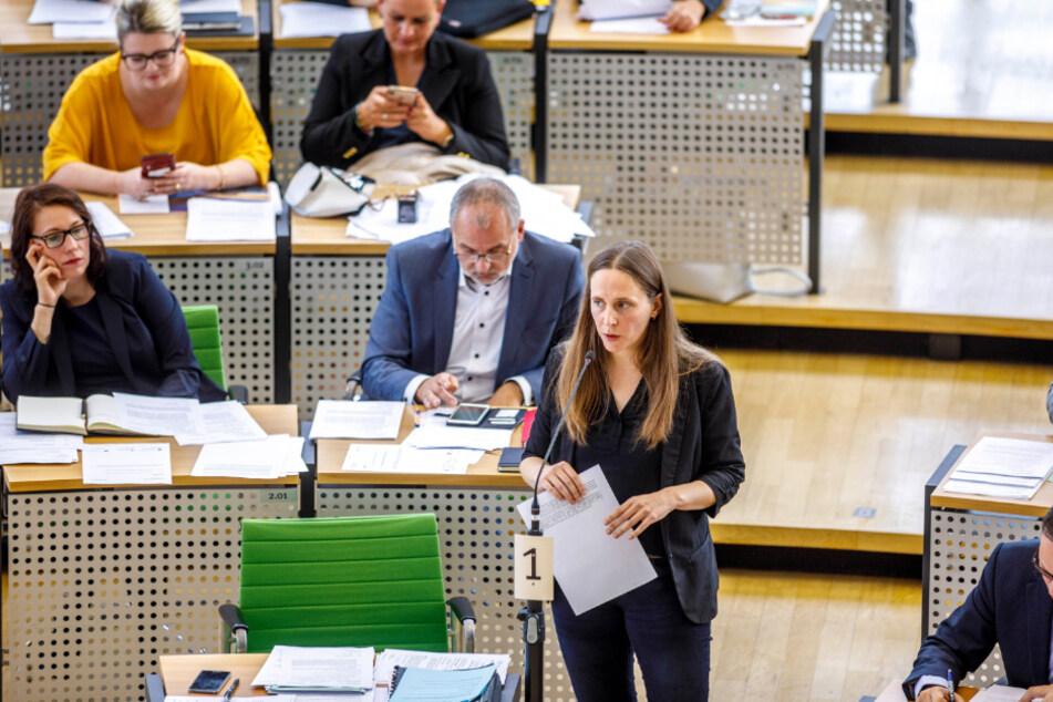 Gegnerin: Sarah Buddeberg (38), Geschäftsführerin der Linksfraktion im Landtag kritisiert die Diätenerhöhung.
