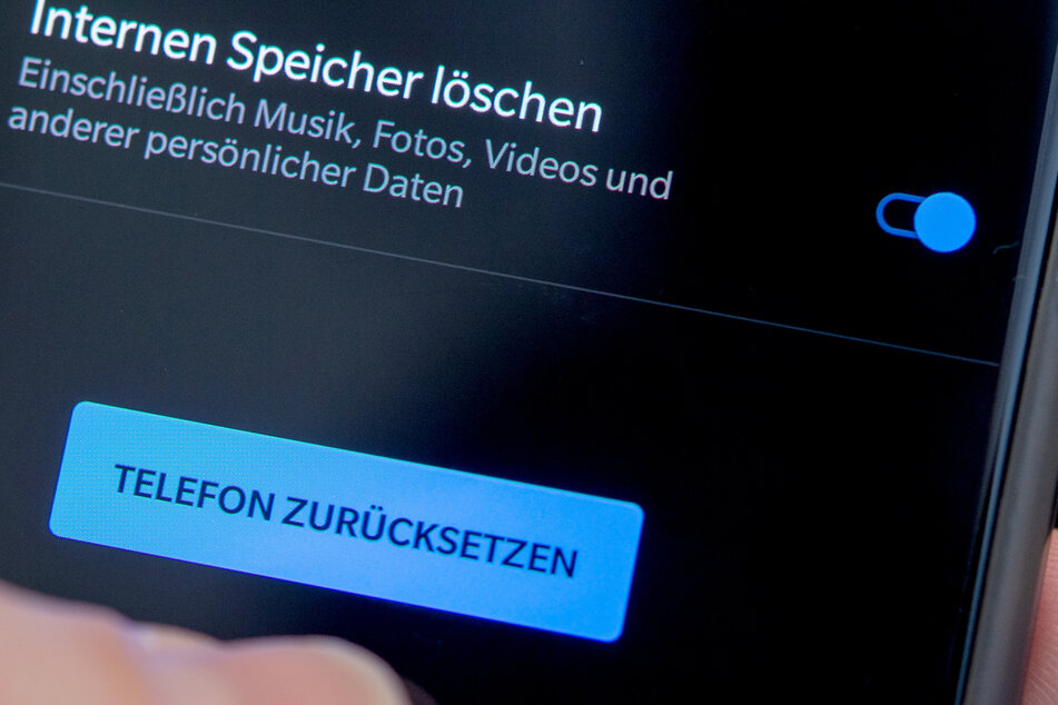 BVerfG: Zugriff auf Daten von Handy-und Internetnutzern zur Terror-Abwehr geht zu weit