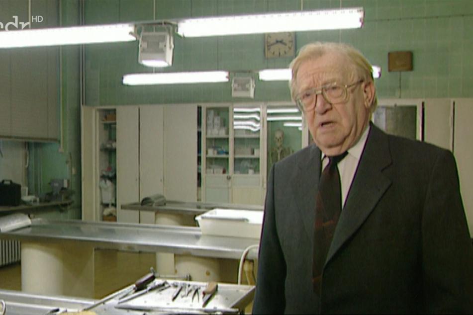 Gerichtsmediziner Prof. Dr. Wolfgang Dürwald (†90) nahm die Leichenschau vor.