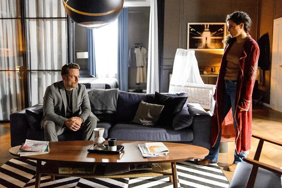Justus konfrontiert Malu mit ihrem Seitensprung mit Finn. Streitet sie alles ab?
