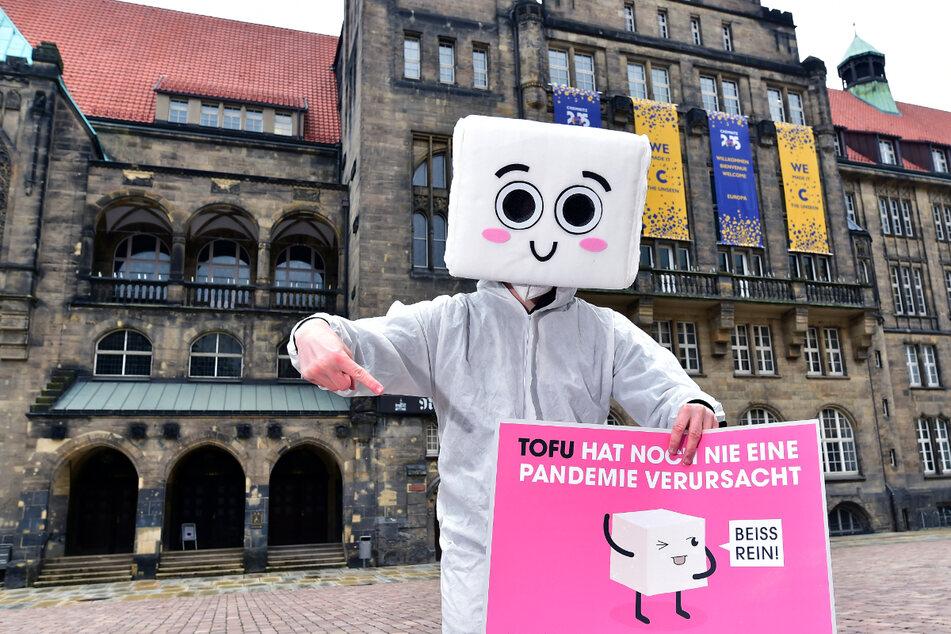 Chemnitz: Huch, wer tanzt denn hier auf dem Chemnitzer Neumarkt herum?