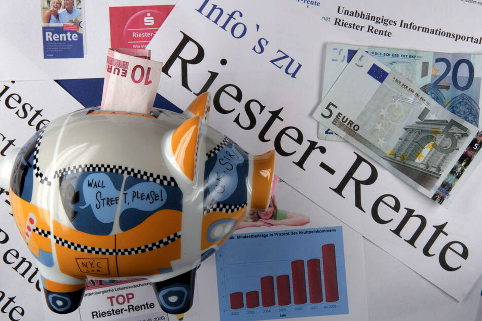 Aktivisten sagen Riester-Rente den Kampf an: Sie machten Politiker steinalt