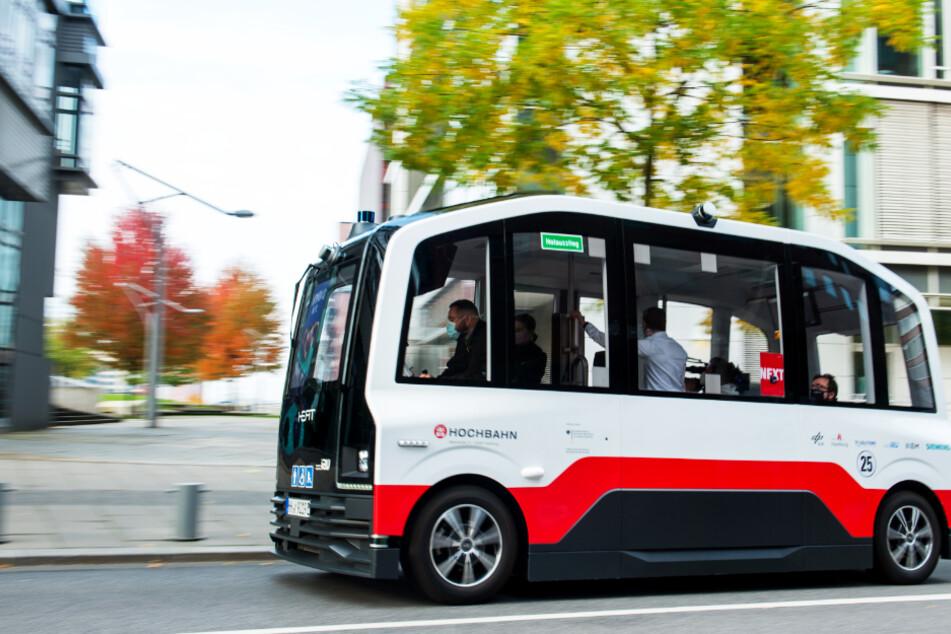 Ohne Fahrer: In Hamburg ist der erste autonom fahrende Bus unterwegs!