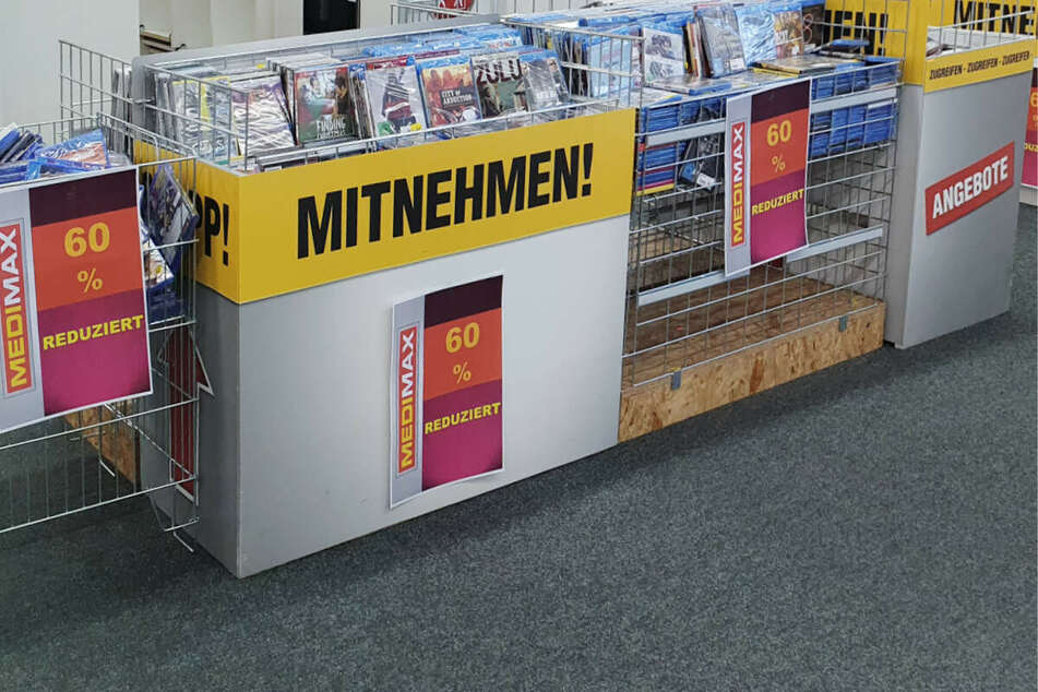 Deshalb hängen bei MEDIMAX jetzt diese gelben Schilder