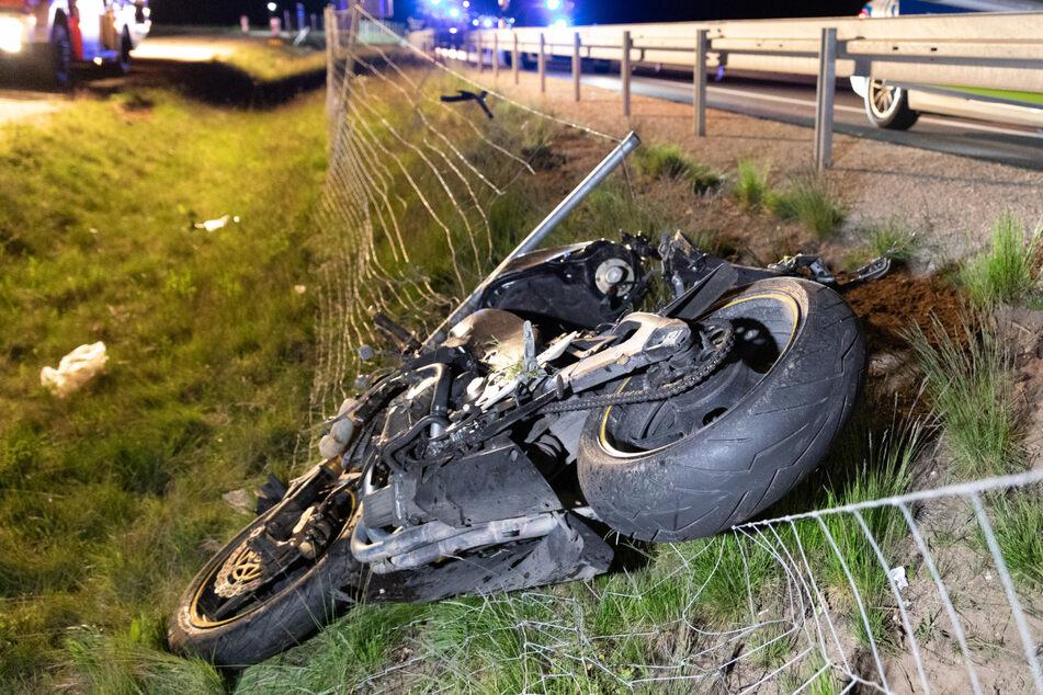 Tragischer Unfall: Biker verliert Kontrolle über Maschine und stirbt