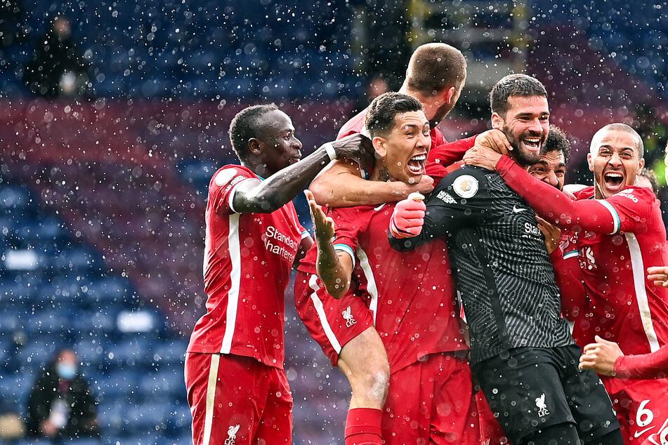 Sensationell! Torwart Alisson Becker köpft FC Liverpool in der Nachspielzeit zum Auswärtssieg