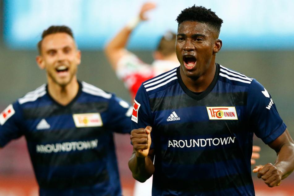 Unions Taiwo Awoniyi (23, r.) bejubelt mit Marcus Ingvartsen sein Tor zum 0:1.