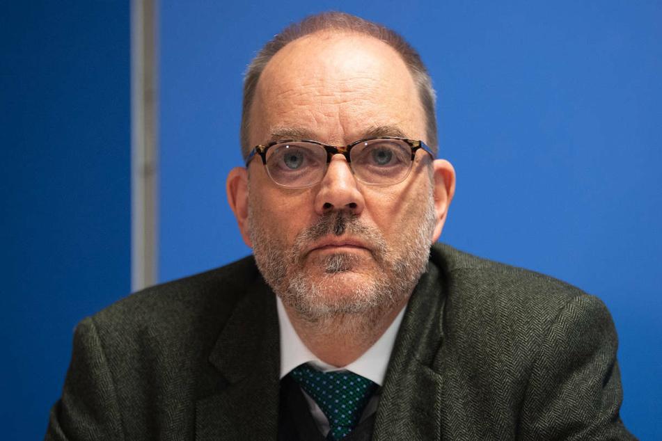 Gesundheitsstaatssekretär Michael Ranft (62, parteilos) hat die Bevölkerung Brandenburgs angesichts der zunehmenden Ausbreitung der Delta-Variante zum Impfen aufgerufen.