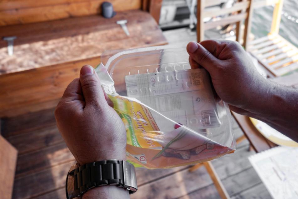 Wenn wir unterschiedliche Plastikarten voneinander trennen, bevor wir sie in den gelben Sack geben, ermöglichen wir ein besseres Recycling.